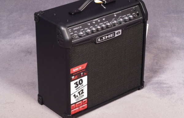 Line6 spider IV 30 combo